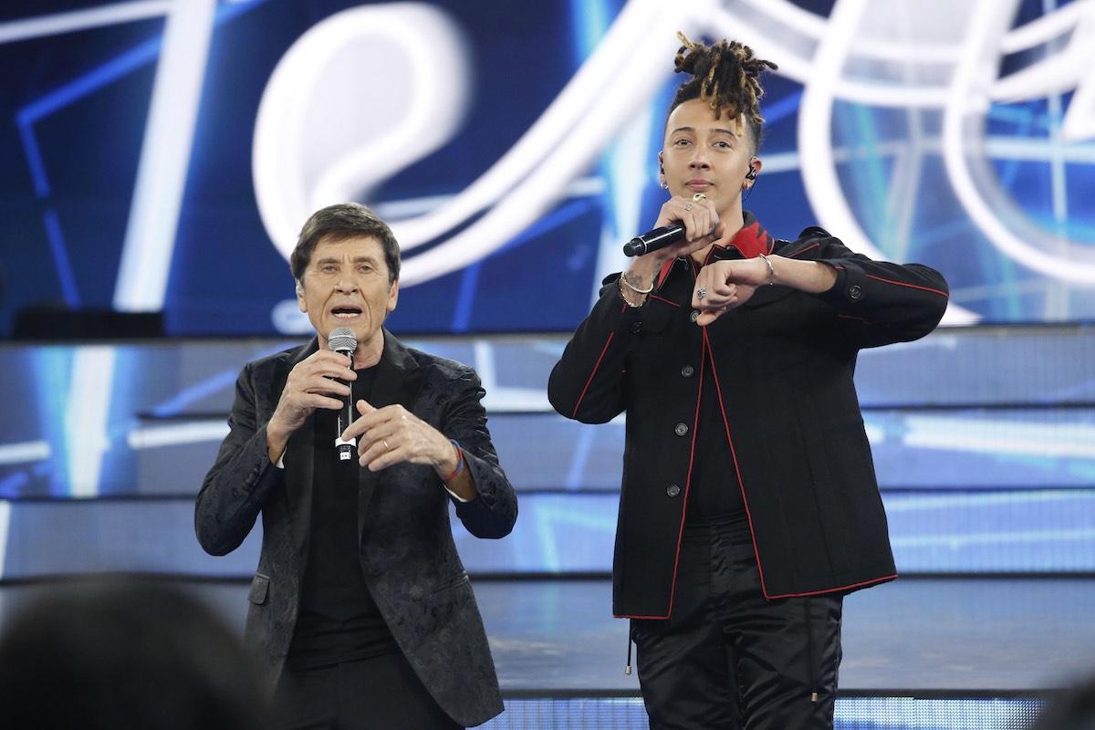 Gianni Morandi e Ghali durante la seconda puntata di Amici 17