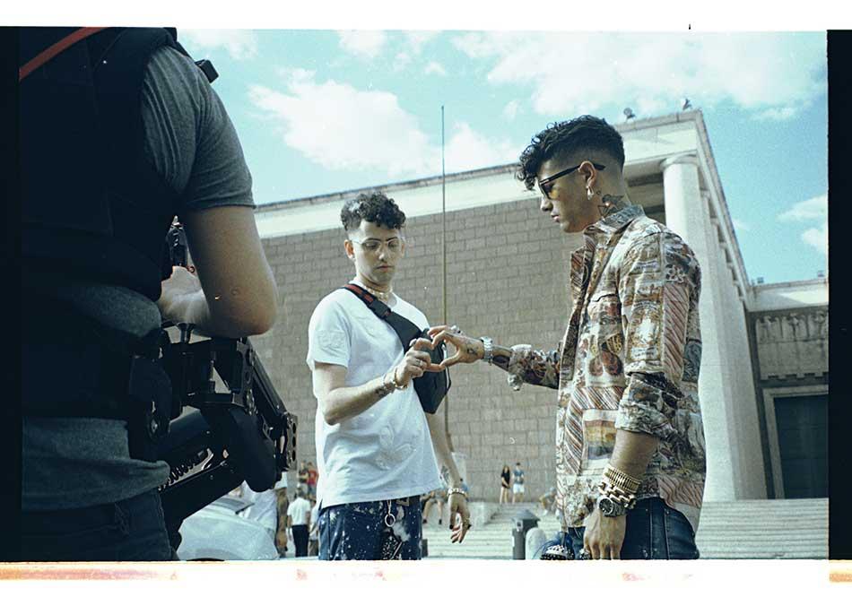Dark Polo Gang  in esclusiva foto e video backstage di  Cono gelato ... 8886034ff0de