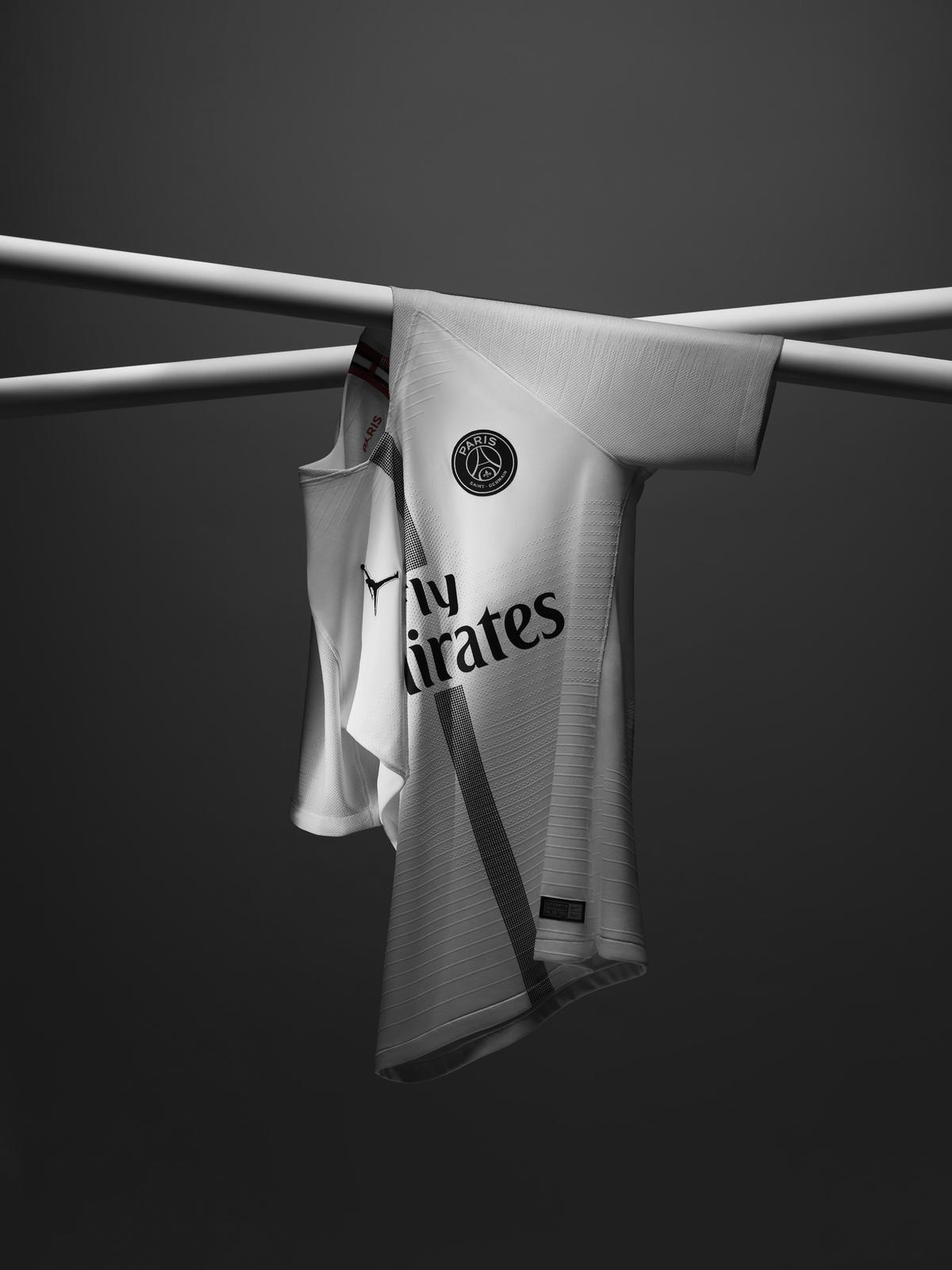 Jordan_Brand__Paris_Saint-Germain_as_its_First-Ever_Football_Club_Soccer_21_81736