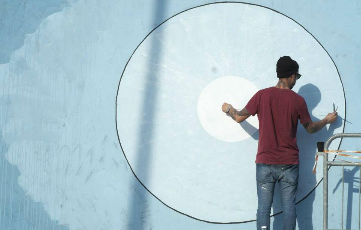 Alessio Errante è uno dei 6 artisti conivolti da Just Cavalli per reinterpretare il logo del brand in chiave street art