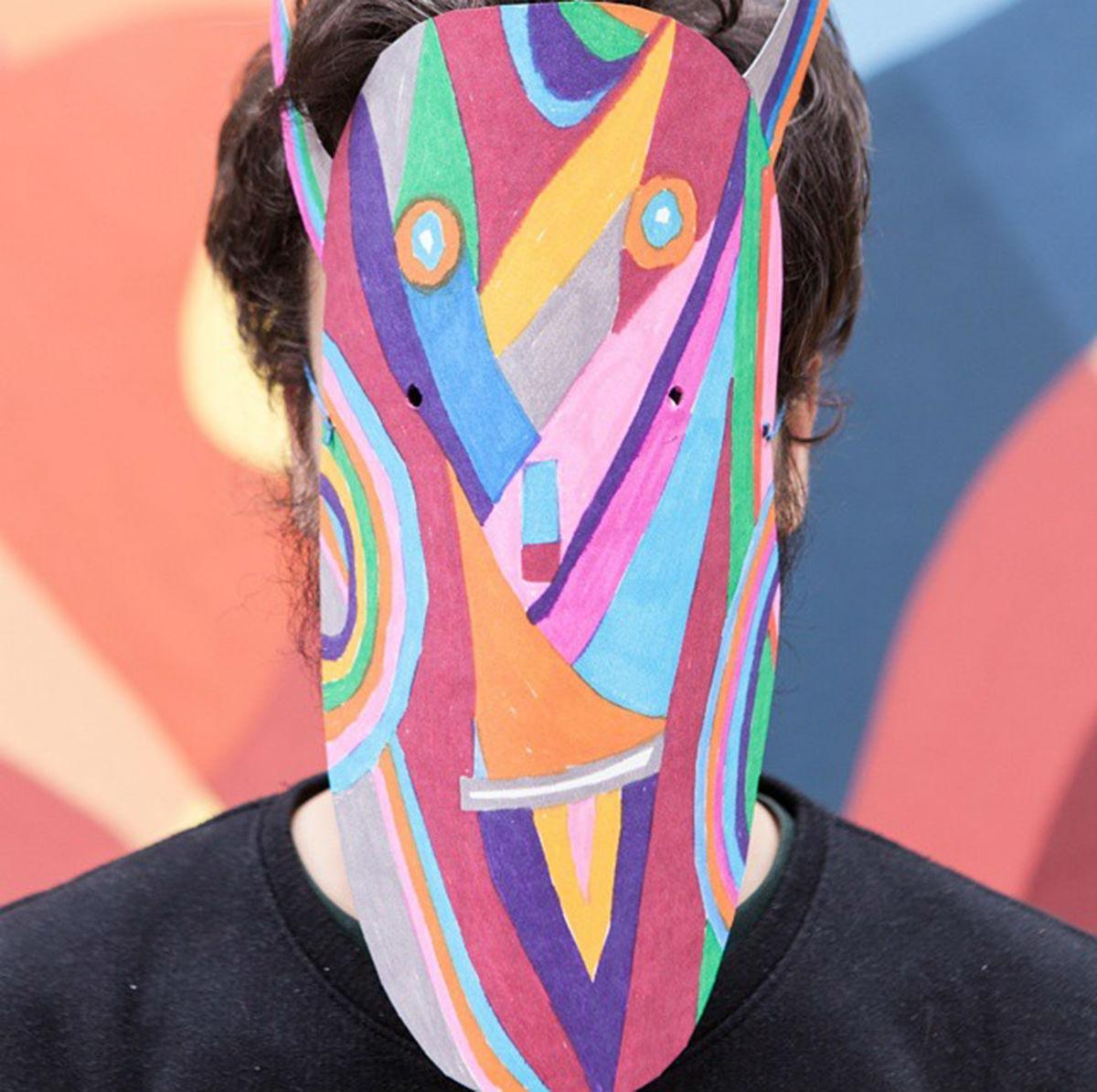 Geometric Bang è uno dei 6 artisti conivolti da Just Cavalli per reinterpretare il logo del brand in chiave street art
