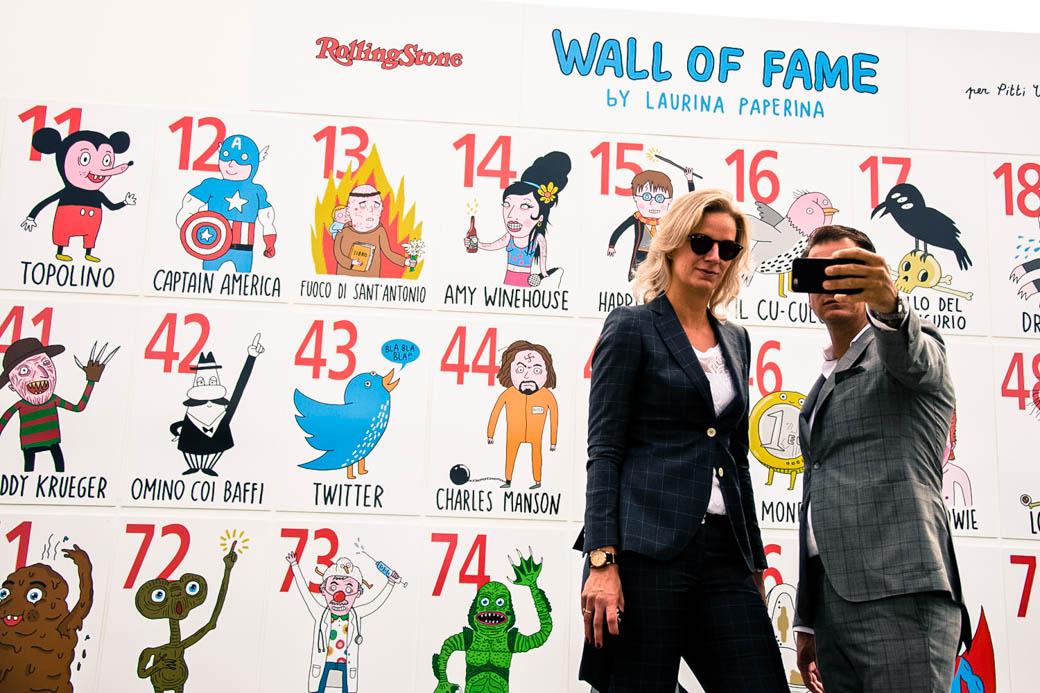 """Tutte le illustrazioni della """"Wall of Fame"""" di Rolling Stone al Pitti sono di <a href='http://www.laurinapaperina.com/' target='_blank'>Laurina Paperina</a>"""