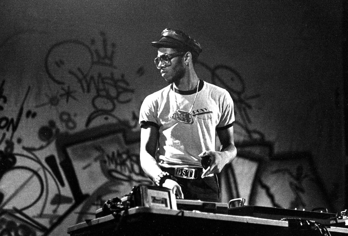 Grandmixer DST spinning London 1982©Janette Beckman Courtesy of Fahey:Klein Gallery, Los Angeles