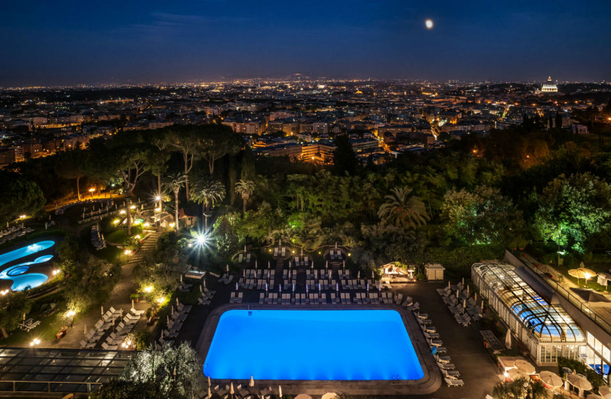 Night-time-view-over-Rome-from-hotel-terrace
