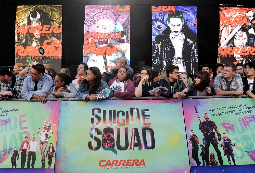 """Il fan in attesa di incontrare i protagonisti di """"Suicide Squad"""". Foto Getty"""