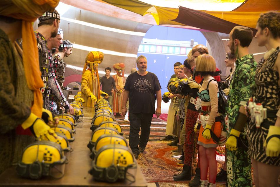 Luc Besson sul set di 'Valerian e la città dei mille pianeti'