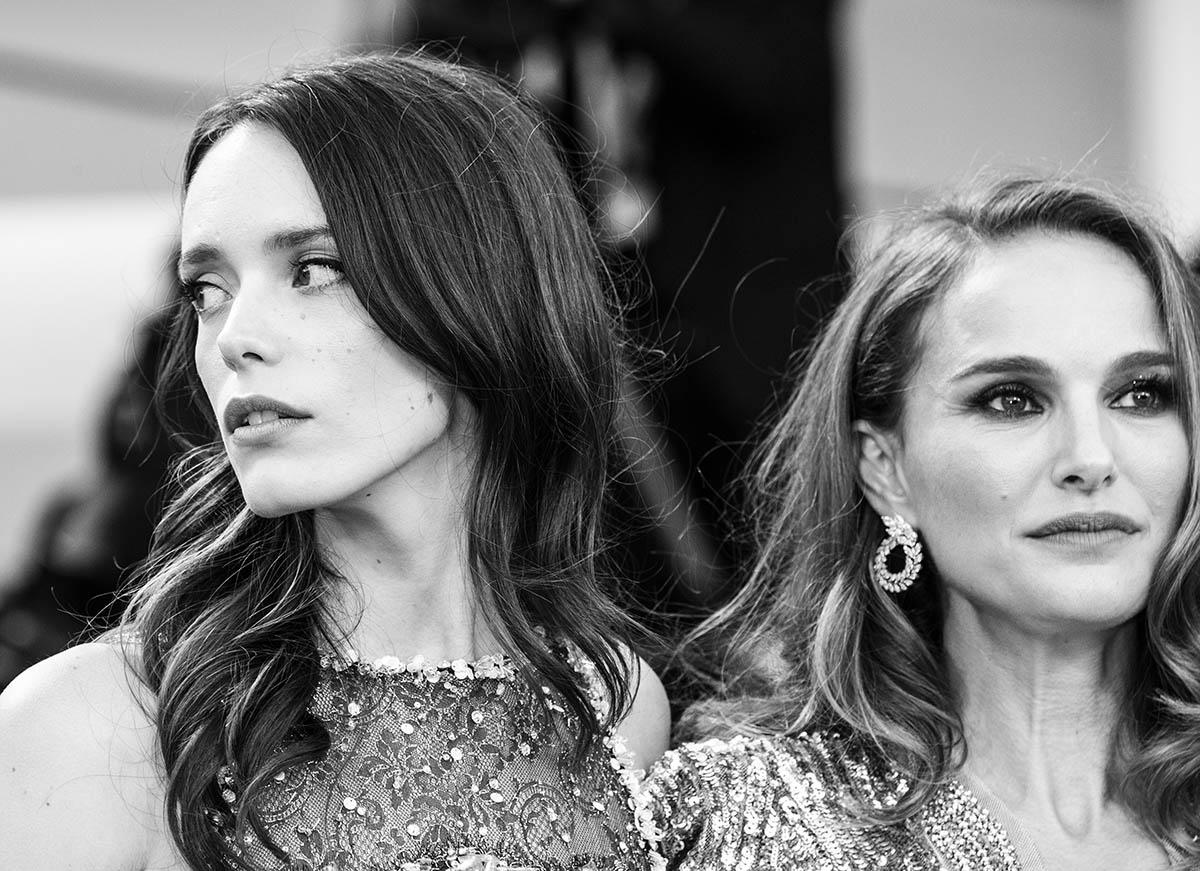 Natalie Portman e Stacy Martin