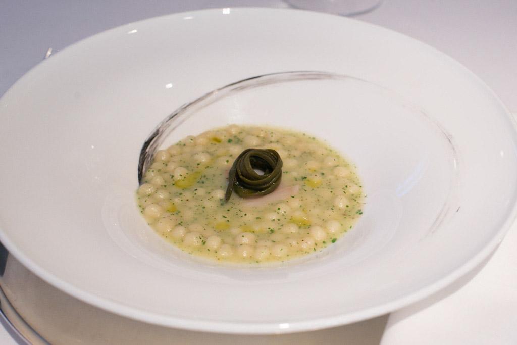 Un piatto creato dallo chef Antonino Cannavacciuolo
