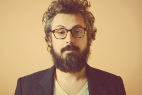 Un bel ritratto di Brunori Sas (foto Giacomo Triglia).
