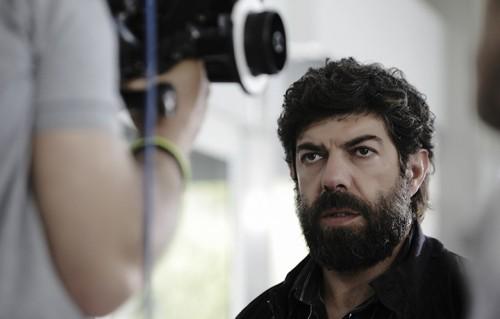 """Francesco Favino sul set di """"Senza Nessuna Pietà"""""""