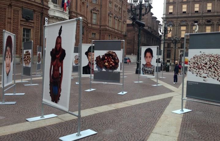 """La mostra """"Terra Madre secondo Oliviero Toscani"""", in Piazza Carignano a Torino fino al 31 ottobre 2014"""