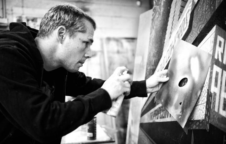 Shepard Fairey, 44 anni. La Don Gallery di Milano gli rende omaggio dal 3 al 5 ottobre.