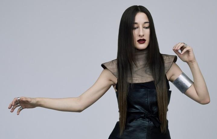 Si chiama Nika Roza Danilova, ha 25 anni, ma quando sale sul palco è Zola Jesus, una cantautrice dal sound molto elettronico