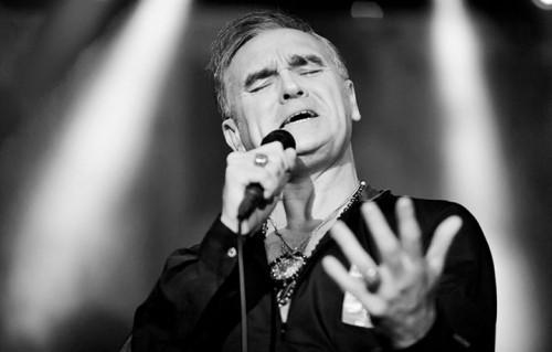 Morrissey in un recente live al Teatro Geox di Padova