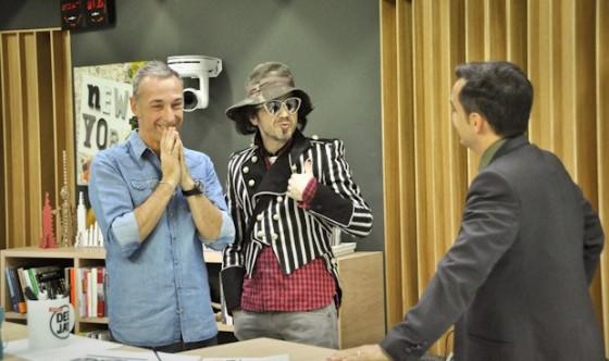 """Morgan con Linus e Nicola Savino a """"Deejay Chiama Italia"""" nel novembre 2012"""