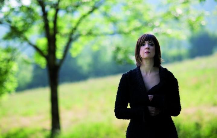 """L'ultimo album di Cristina Donà si intitola """"Così vicini"""""""