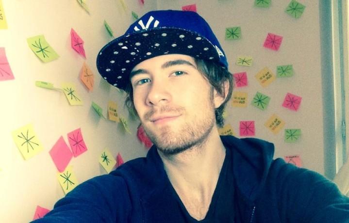 Francesco Sole, 21 anni, di Modena. Aveva iniziato a studiare Economia ma poi è arrivato Youtube