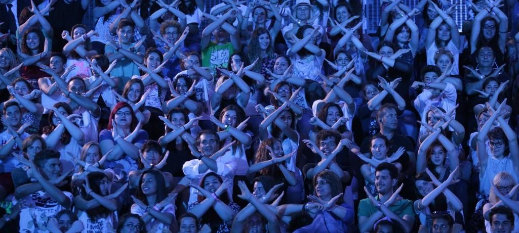 Il pubblico di X Factor 8. La puntata del 20 novembre è la più vista di sempre (+44 per cento di spettatori rispetto alla stessa puntata dello scorso anno. Foto: Sky)