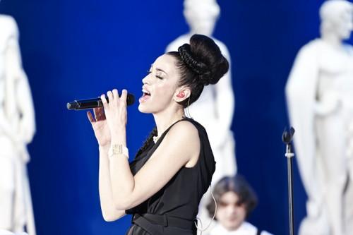 Nina Zilli canta nella sala delle della GNAM a Roma