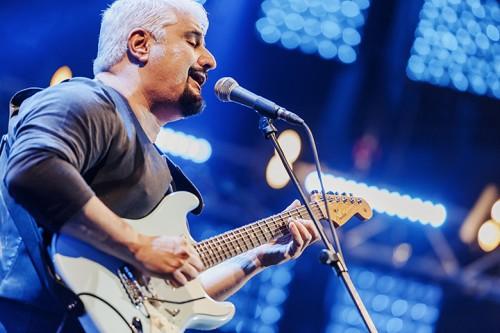 """Pino Daniele torna indietro di trent'anni e nel tour """"Nero a metà"""" propone i brani del 1980"""