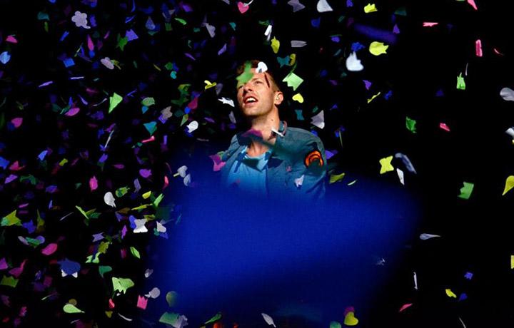 Si chiama Christopher Anthony John, ma per tutti è solo Chris Martin, 37 anni, leader dei Coldplay