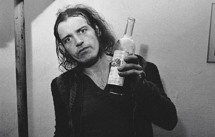 Joe Cocker nel 1969, in uno scatto esclusivo di Oliviero Toscani pubblicato su Rolling Stone di dicembre-gennaio