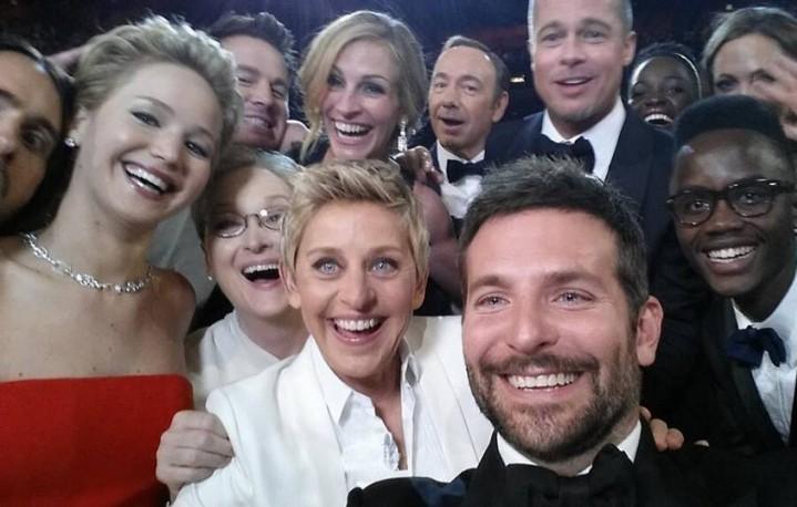 Il selfie scattato (su istigazione di Ellen DeGeneres) agli Oscar dell'anno scorso. Caricato su Twitter, è diventato il tweet più condiviso della storia (più di 1.300.000 retweet nella prima ora). Il record sarà infranto quest'anno?