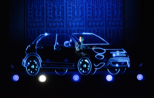 L'illusionista Dynamo alla presentazione londinese della Fiat 500 X
