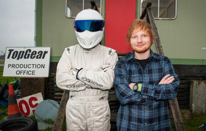 Ed Sheeran prima del giro di pista (foto: Top Gear /BBC)