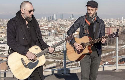 Fink sul tetto della Rolling Stone Tower per il live di Milano Acoustics, foto di Ikka Mirabelli