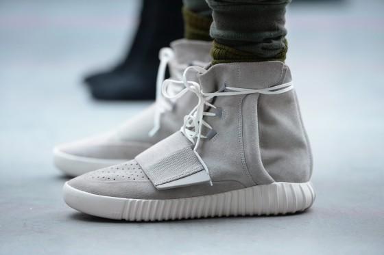 La sneaker disegnata da Kanye West per adidas Originals