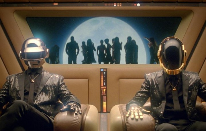 "I Daft Punk, ovvero Thomas Bangalter e Guy Manuel de Homem-Christo, nel video di ""Lose Yourself To Dance"""