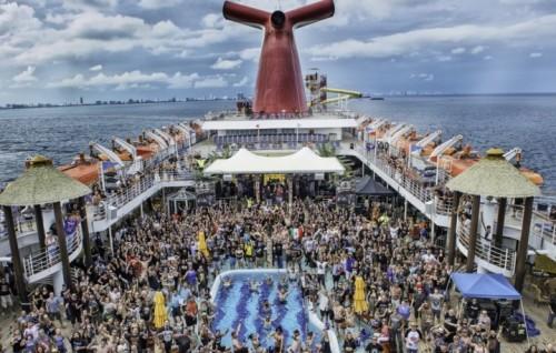 La Motörhead Motörboat salperà da Miami il 28 settembre.