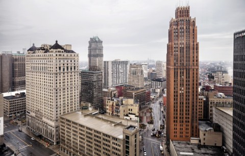 DOWNTOWN DETROIT è l'area nella quale si concentrano le attività finanziarie della città del Michigan, che aveva avuto dichiarare fallimento per un buco di 18 miliardi di dollari.