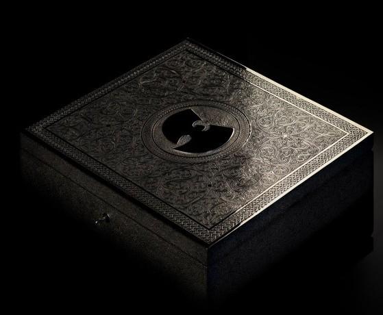 """Il cofanetto in argento che contiene l'unica copia di """"Once Upon a Time In Shaolin"""""""