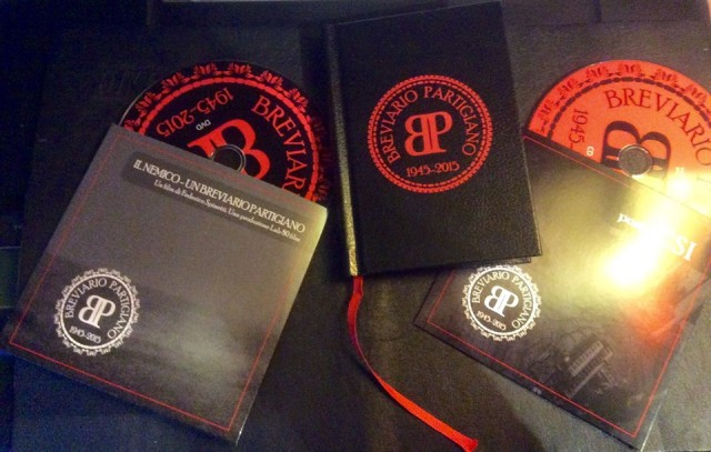 Breviario Partigiano, pacchetto completo (foto: Facebook dell'artista)
