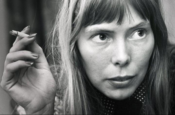 Joni Mitchell ritratta ad Amsterdam nel 1972 (Foto di Gijsbert Hanekroot)