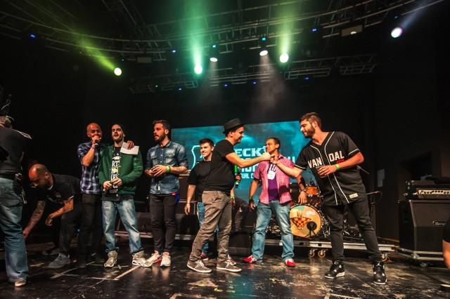 Alcuni dei vincitori ammessi alla UNacademy, presentati durante la serata al Fabrique di Milano il 13 aprile scorso