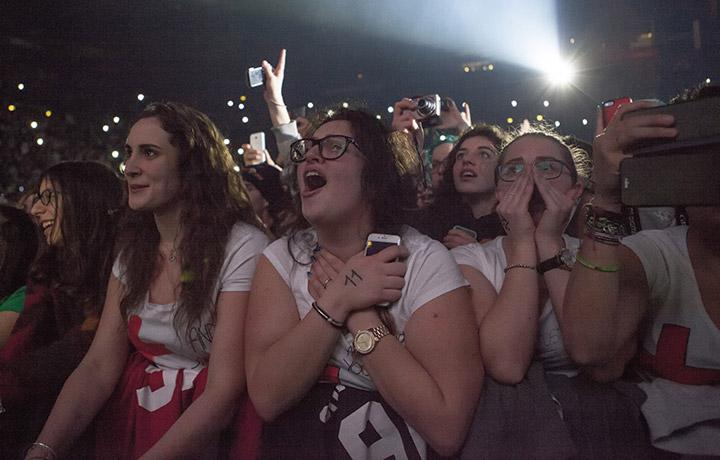 Figure mitologiche al concerto di Ed Sheeran al Forum di Assago - Foto di Ikka Mirabelli