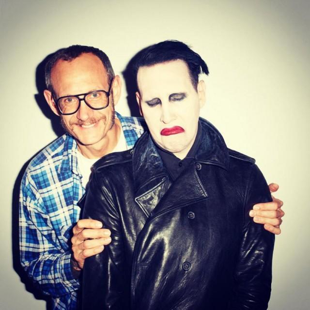 Manson con il fotografo Terry Richardson. Foto: Facebook.