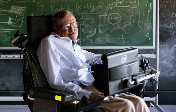 Stephen Hawking, fisico teorico e maestro dell'ironia.
