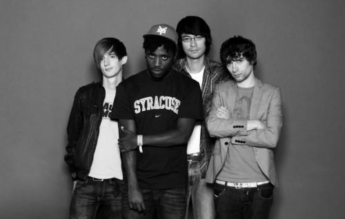 Della formazione originale, sono rimasti solo cantante e chitarrista. Foto: Facebook