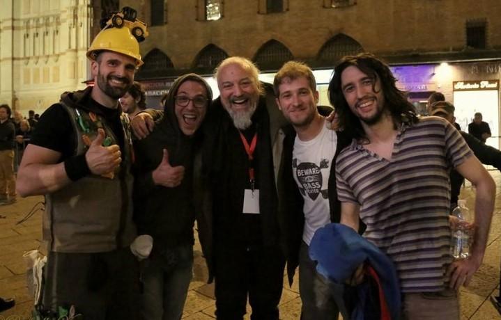 Eccoli i Kutso con Eugenio Finardi, il maestro li ha invitati personalmente a suonare a Bologna