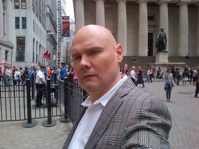 Un recente selfie di Billy Corgan a Wall Street - Foto via Facebook