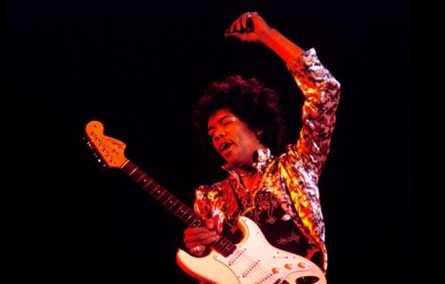 Jimi Hendrix live a Monterey, foto di Guy Webster via montereyinternationalpopfestival.com