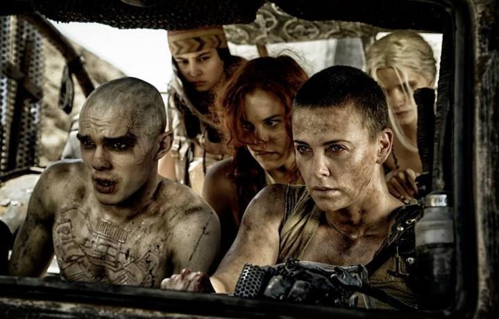 """Una scena del film """"Mad Max: Fury Road"""". Fonte: Facebook"""