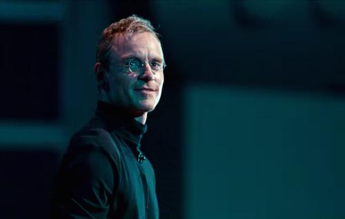 Michael Fassbender nei panni di Steve Jobs.