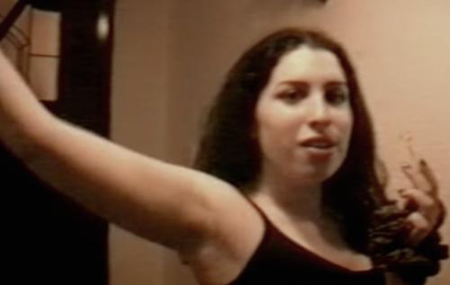 Un frame del documentario su Amy Winehouse, in uscita il 3 luglio in UK