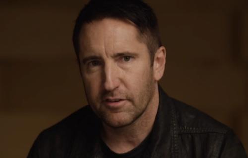 Trent Reznor è nato nel 1965. Nel 1988 ha fondato i Nine Inch Nails e attualmente collabora con Apple Music