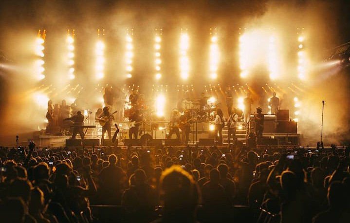 I Mumford & Sons in tour. Fonte: Facebook. Foto: Ty Johnson